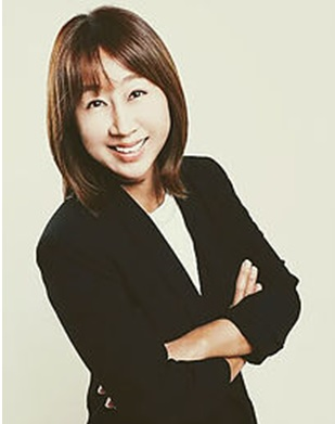 Mona Hwang
